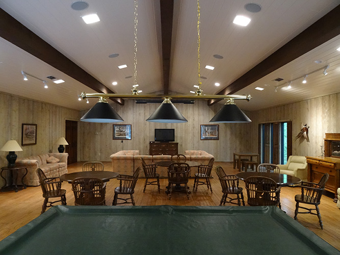 luxury hunting lodge Texas